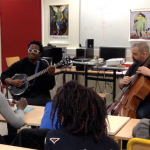 10.03.2015: Blick Bassy en visite au collège Joséphine Baker de Saint Ouen (en partenariat avec Banlieues Bleues)