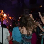 Elèves au concert final de Zebrock au bahut 2013-14 avec Féloche